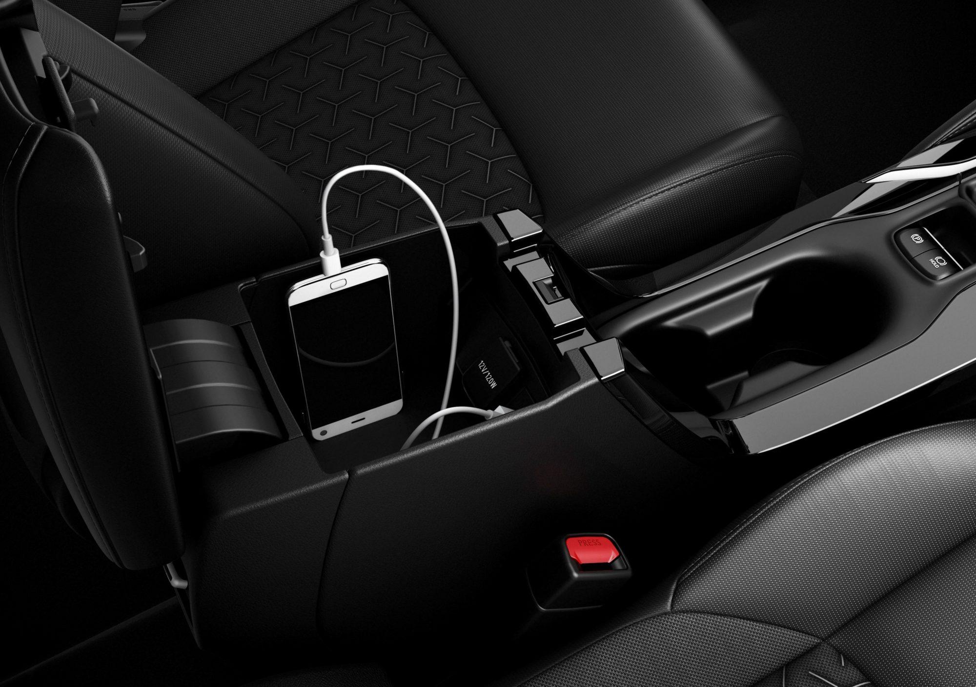 Suzuki Swace 2020 - Centre console box